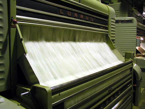 Cotton gin in action by billums, licensed under CC BY 2.0