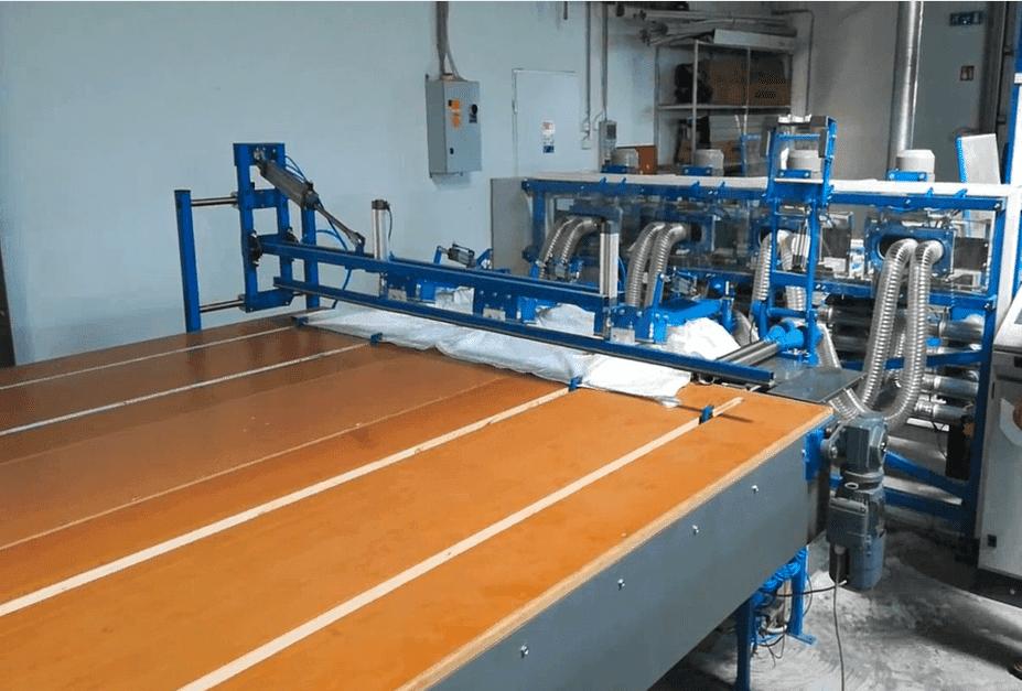 Machine for cassette duvet construction