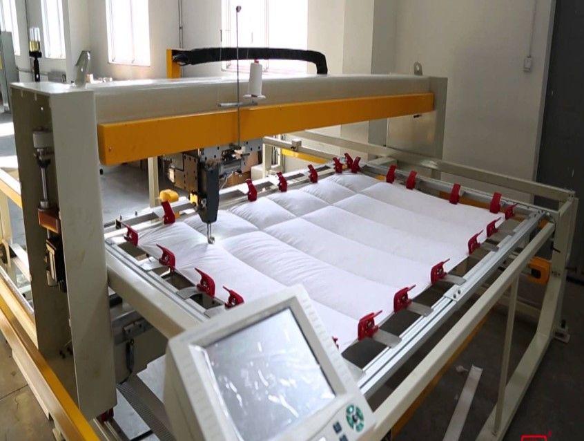 Single needle duvet sewing machine