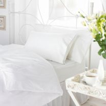 Hotel Pure Luxury white 144 thread count polycotton duvet cover