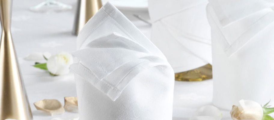 6 Linen Napkin Folding Ideas That Take Less than Two Minutes